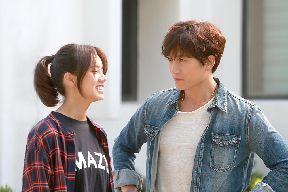 SBS 드라마 <딴따라> 출연진들이 촬영을 위해 수원 굿모닝하우스를 방문했다. 주인공인 지성과 혜리의 모습.