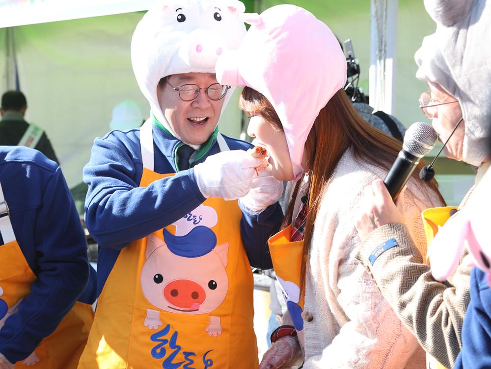 특히 이날 행사에는 개그맨 이국주 씨가 특별손님으로 초대돼 유쾌한 입담을 선보였다.