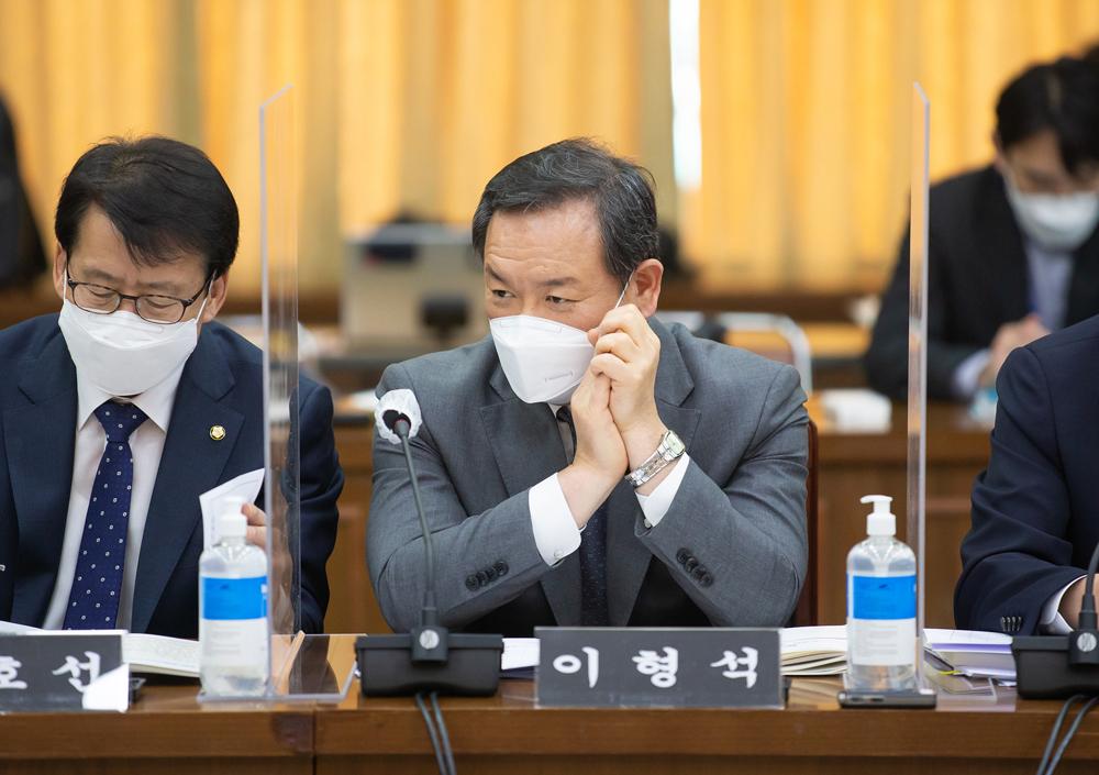 이형석(더민주·광주 북구을) 의원이 경기도 체납관리단 운영과 관련해 질문하고 있다.
