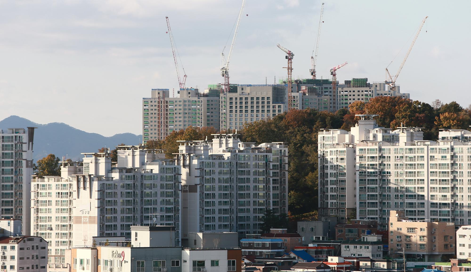경기도는 올해 저소득층 주거 안정을 위해 총 4만3,000호의 공공임대주택을 공급할 계획이다.