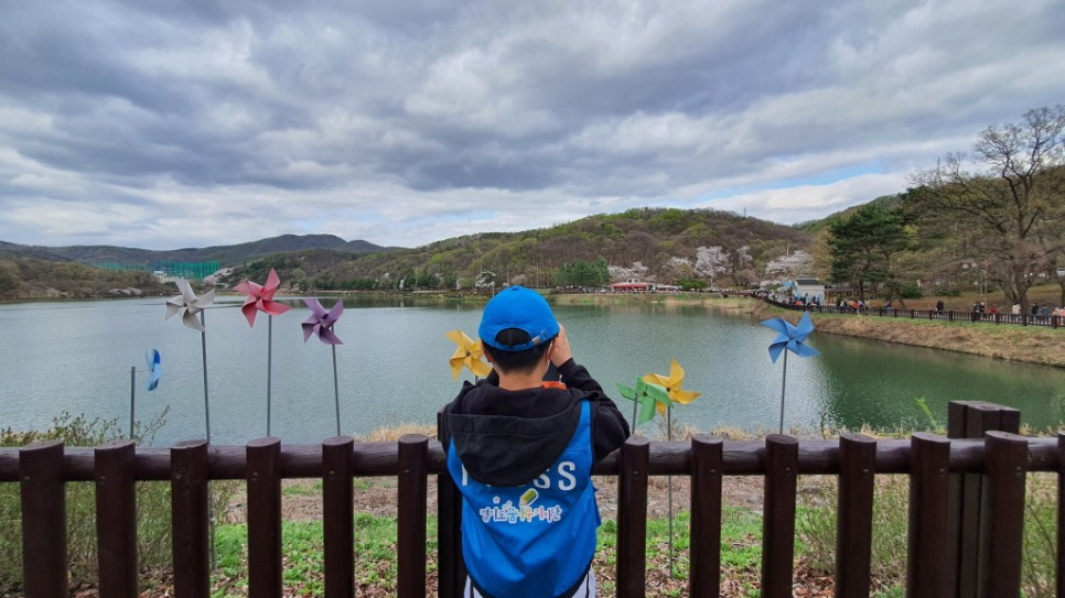 율동공원의 호수 풍경